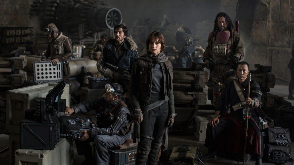 Az első megjelent kép a filmből, a Zsivány osztag tagjaival